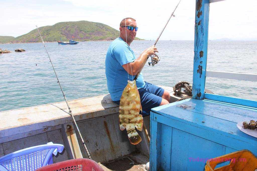 www.123nhanh.com: Tour câu cá nha trang (Thực đơn 8 món hải sản)